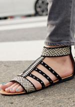 Promos et remises  : Découvrez les sandales et nu-pieds de la collection